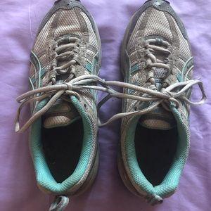 ASICS Gel-Kahana Running Sneakers size 8